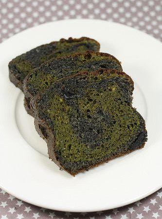 Cake au matcha et sésame noir