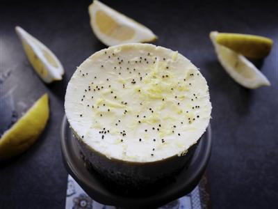Cheesecake au citron et aux graines de pavot (avec cuisson)