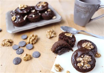 Mini moelleux au chocolat et aux noix