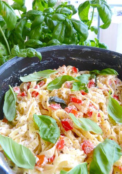 Lemon Ricotta Pasta au Basilic et Poivron rouge