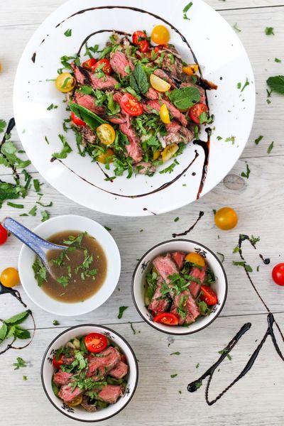 Salade de bœuf grillé à la menthe ( Yam nuea nam tok )