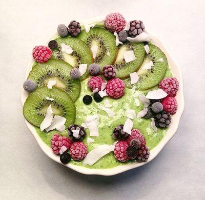 Smoothie bowl vert