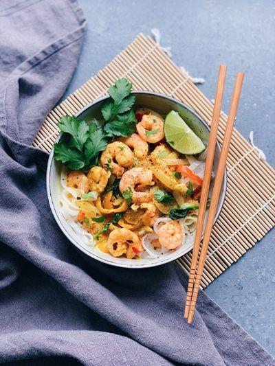 Nouilles aux crevettes et lait de coco