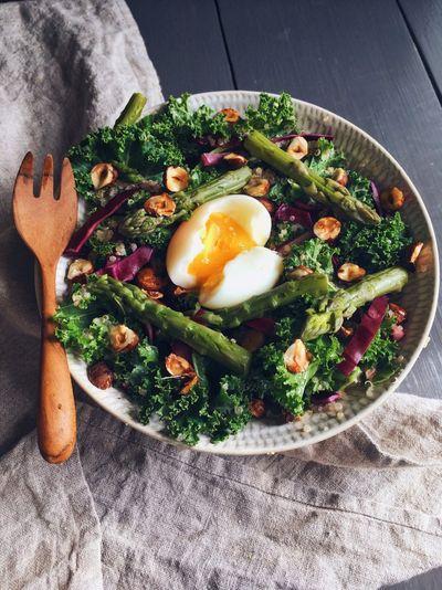 Salade printanière de kale et de quinoa