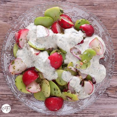 Salade de fèves et de radis d'Ottolenghi (et sa téhina)