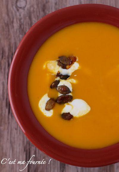 Soupe au potimarron, safran et orange d'Ottolenghi, et ses graines de courges caramélisées