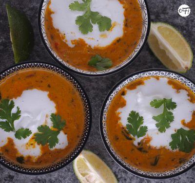 Soupe de lentilles corail au curry et lait de coco de Yotam Ottolenghi