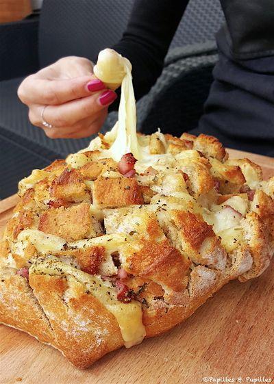 Pain à effeuiller au jambon et au fromage