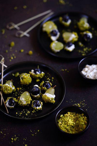 Billes de raisin au gorgonzola et pistaches