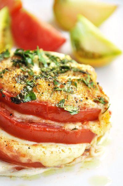 Millefeuille de tomates mozarella basilic