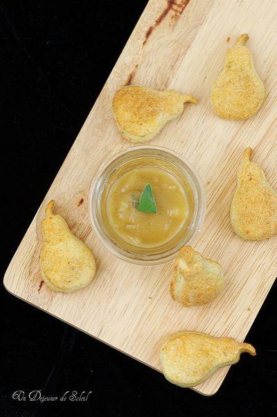 Biscuits au gorgonzola, compote de poires à la sauge