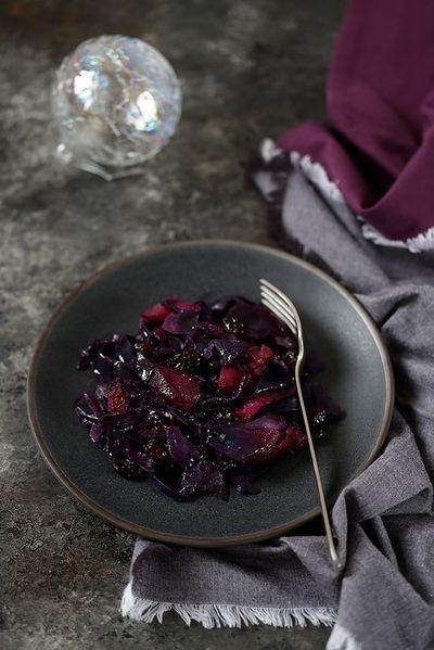 Chou rouge sauté aux pommes, myrtilles et cranberries