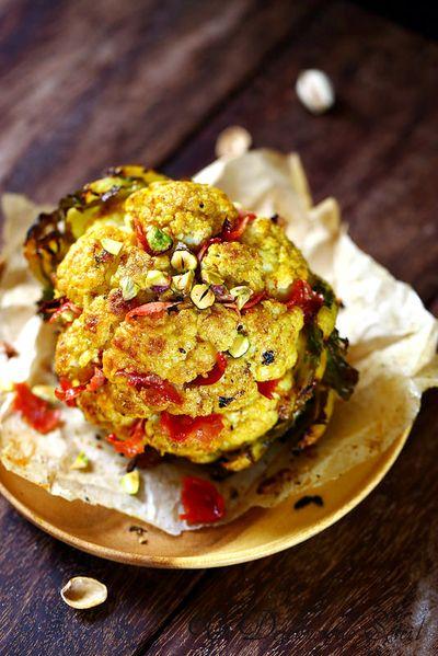 Chou-fleur entier rôti aux épices et chorizo croustillant