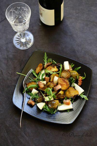 Salade de choux de Bruxelles rôtis, guanciale, poire et roquette