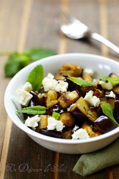 Salade d'aubergines rôties, feta et menthe