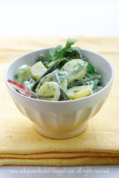 Salade de pomme de terre nouvelles, haricots vert et sauce fromage blanc aux herbes