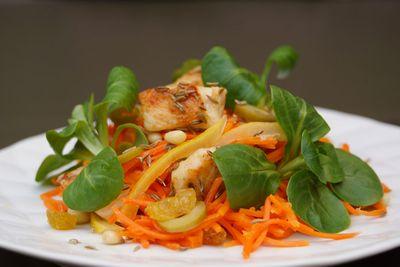 Salade orientale de carottes au citron confit et poulet au cumin