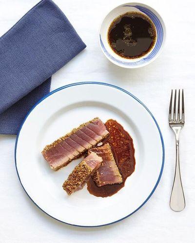 Tataki de thon aux épices et sésame