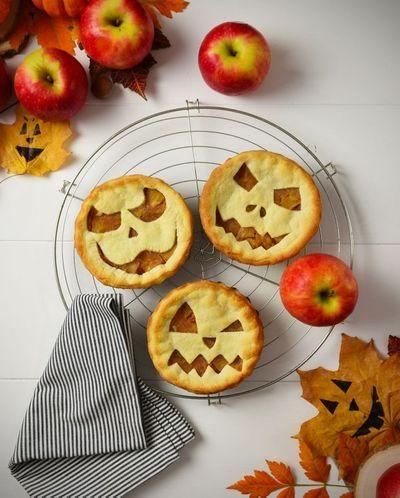 Mini tourtes d'Halloween aux pommes Pink Lady