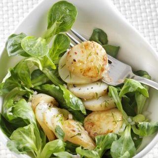 Salade de Saint Jacques, mâche, citron caviar