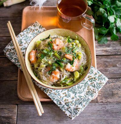 Faux « one pot pasta » : vermicelles, crevettes, bouillon à la citronnelle et au gingembre