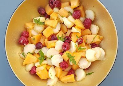 Salade de fruits menthe basilic