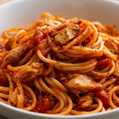 Spaghetti al arrabiata (sacla) et au poulet (pour 2)